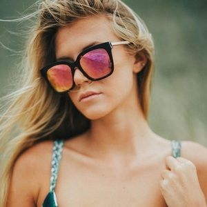 DIFF Bella Matte Black Pink Polarized